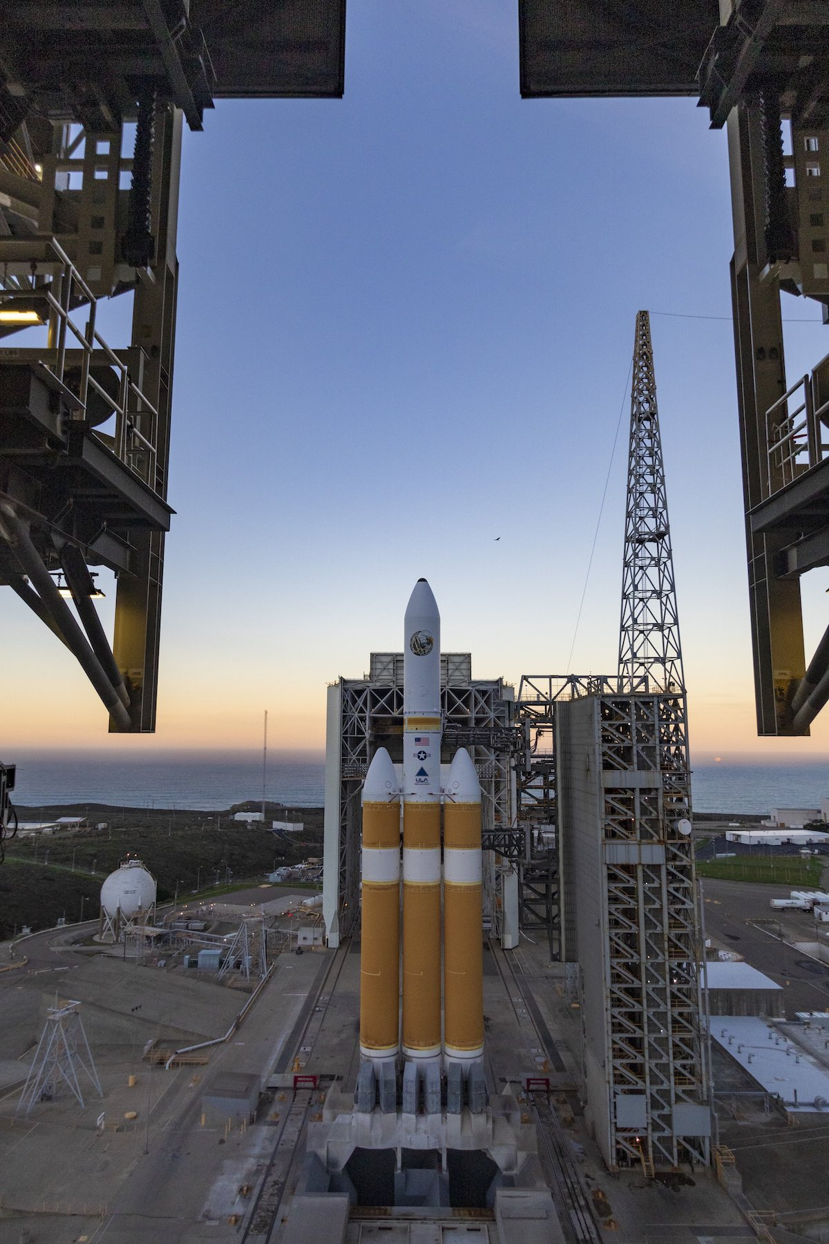 5924a925 sunrise_0119. Photo by United Launch Alliance